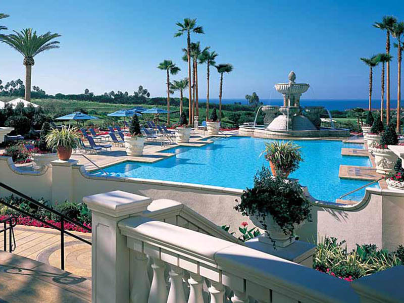 The St Regis Monarch Beachoutdoor Swimming Pool