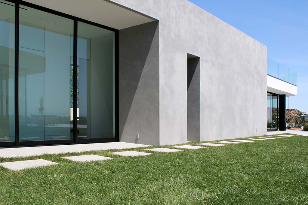 Fashion designer's residence renovation - SEMCO Seamless Stone walls